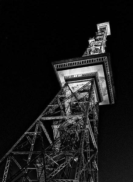 Stadtansichten >Berlin 2013 #03 >Funkturm >schwarzweiß
