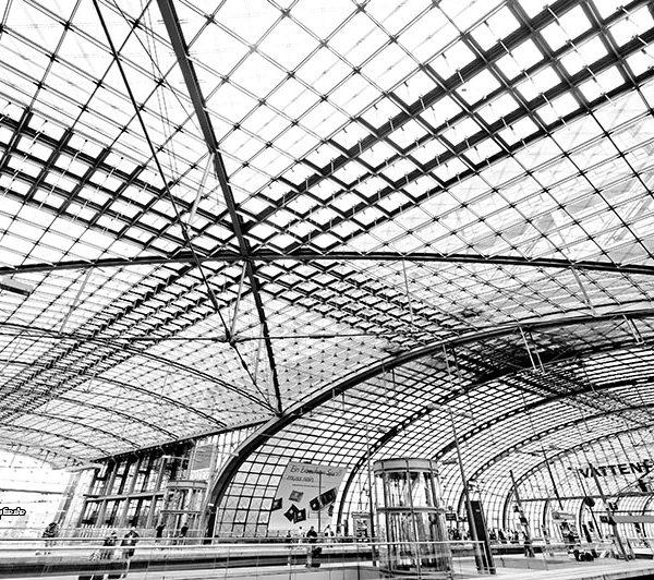 Stadtansichten >Berlin 2013 #09 >Hauptbahnhof >Bahnsteighalle